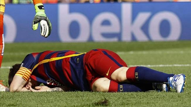Messi queda fuera de juego dos meses por lesión