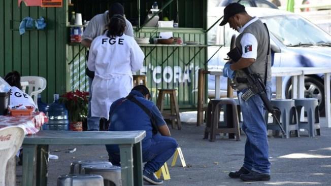 Asesinan a expolicía acusado de matar a 2 estudiantes