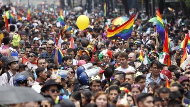 Marcha LGBT exige continuidad en políticas públicas
