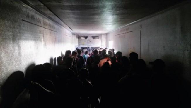 Crisis migratoria: rescatan 112 centroamericanos hacinados