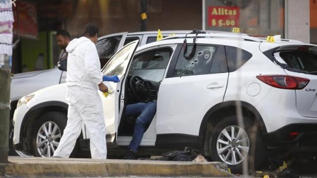 Acribillan a comunicador en Sonora; un reportero muere