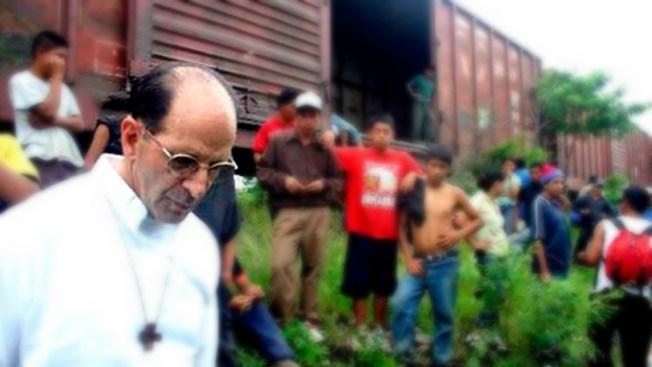 Bloquean Garita de San Ysidro por apoyo a migrantes