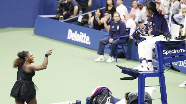 """Serena Williams estalla en plena final y acusa al árbitro de """"ladrón y mentiroso"""""""