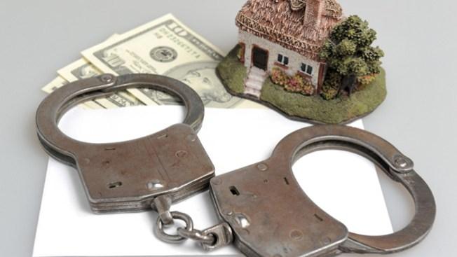 Caen por fraude hipotecario contra hispanos