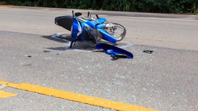 Motociclista podría perder una pierna
