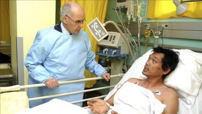 Liberan 100 de los 132 rehenes en Argelia