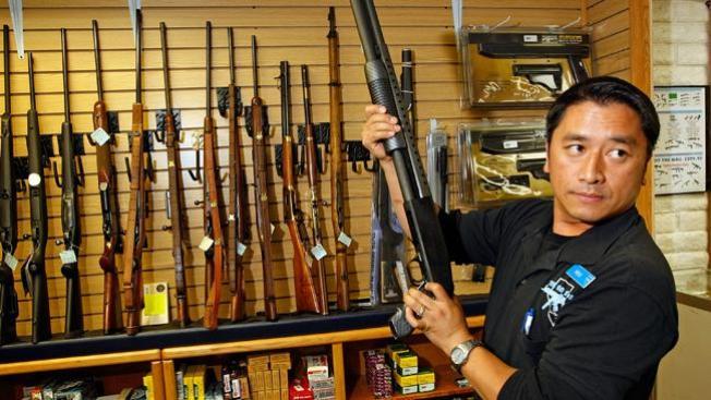 Retiran más de 2 mil armas