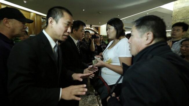 China molesta con Malasia ante avión