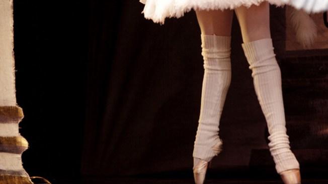 Detienen sospechosos de arrojarle ácido en el rostro al director del ballet Bolshoi