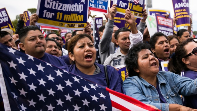 Nuevo grupo inmigrante pide asilo
