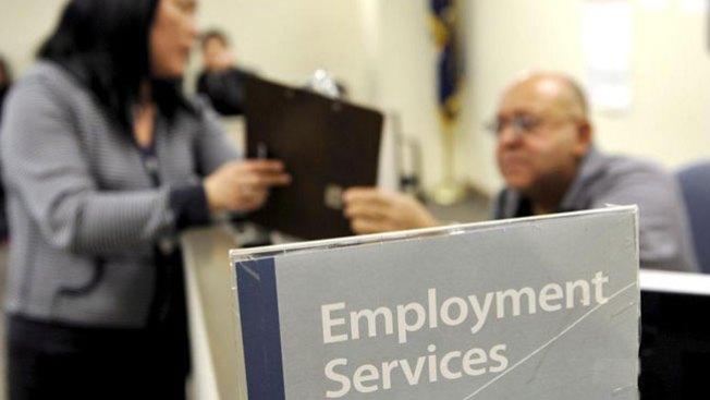 Leve mejoría del desempleo