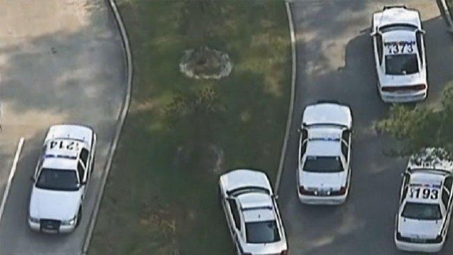 Arrestan a 2 por tiroteo en universidad