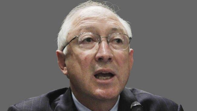 El Secretario del Interior abandona su cargo