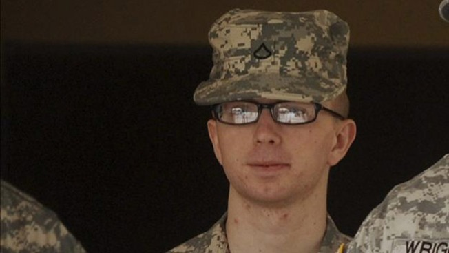 Manning se declara culpable