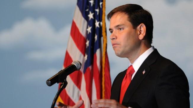 Marco Rubio responderá en inglés y español