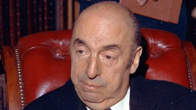 Exhuman restos de Pablo Neruda