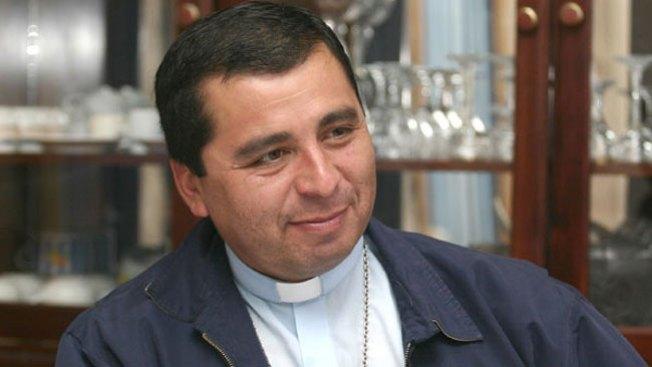 Sale obispo por abuso sexual