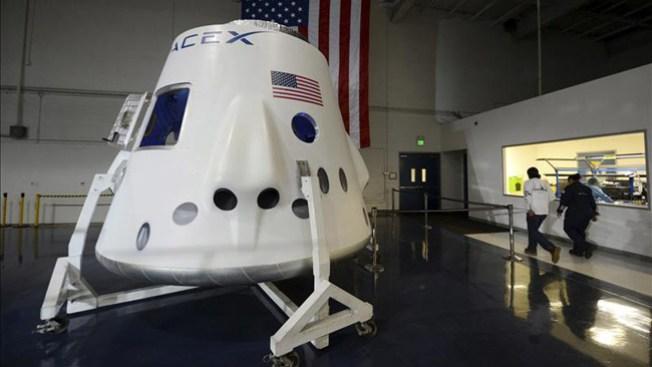 """Dragon"" llega a Estación Espacial"