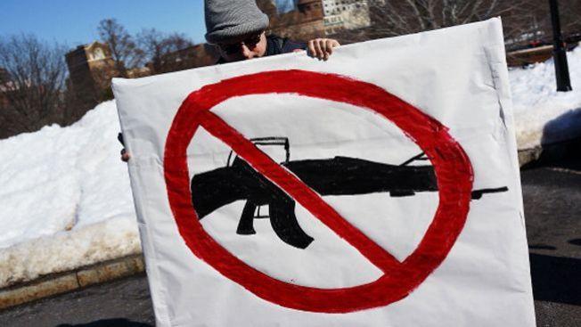 Armas: Más leyes, menos víctimas