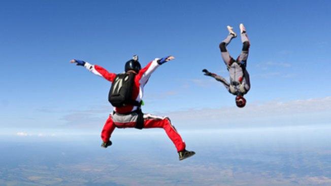 Salto fatal en Florida: mueren instructor y alumno de paracaidismo