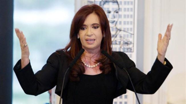 Aplazan juicio por corrupción a Cristina Fernández
