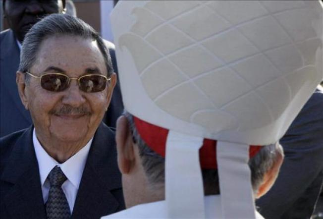 Raúl Castro se reúne con el cardenal Ortega