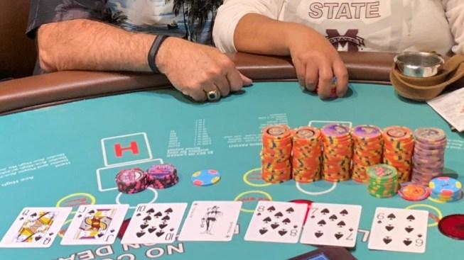 Turista en Las Vegas se va con más de 100 mil dólares
