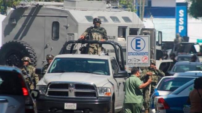 Por infiltración criminal, desarman a policía de Acapulco
