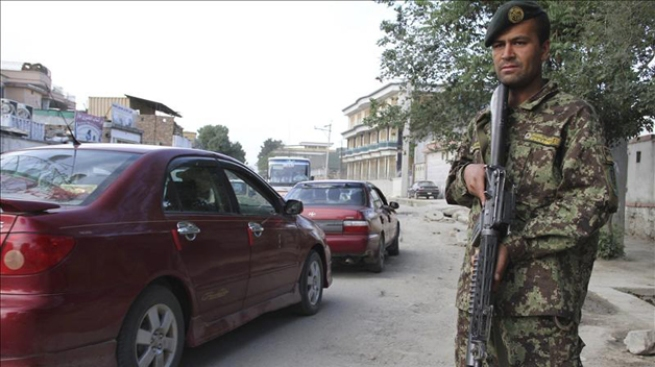 Afgano mata a asesor de EEUU