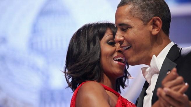 Entre guiños y susurros Michelle y Obama