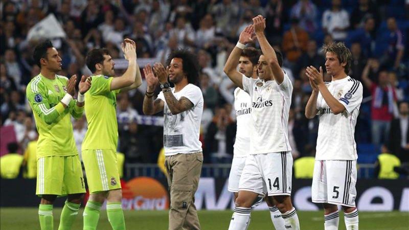 El Real Madrid llega a semifinales tras eliminar al Atlético en cuartos con un gol de 'Chicharito' en el Santiago Bernabéu.