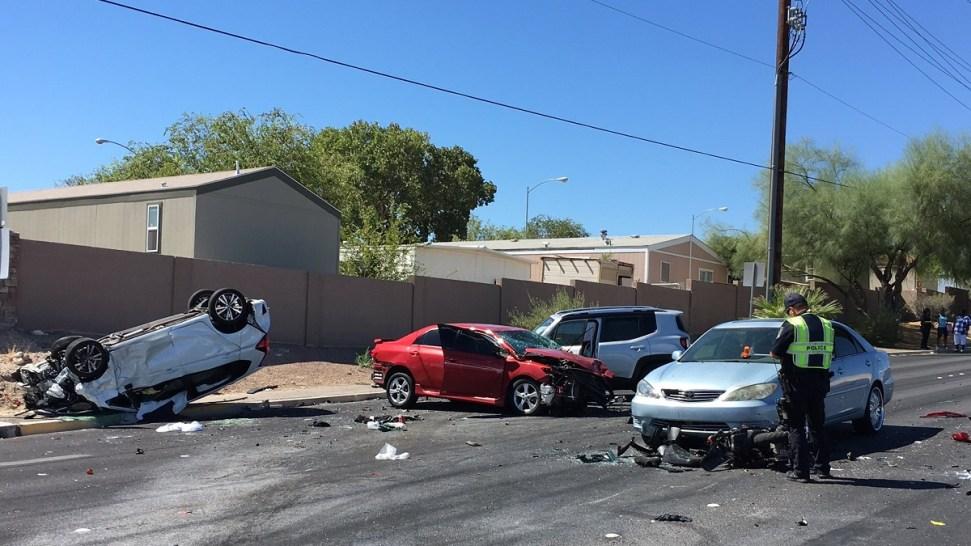 Accidente de 5 vehículos dejó a 6 heridos en North Las Vegas
