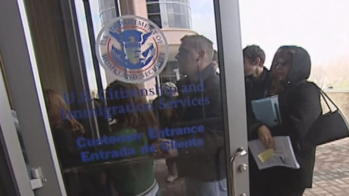 Aumentan las solicitudes de la Visa U — Telemundo Las Vegas